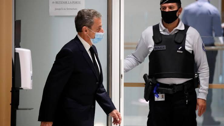 الرئيس الفرنسي السابق نيكولا ساركوزي بالمحكمه